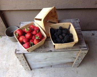 Vintage farmhouse berry baskets - set of 3