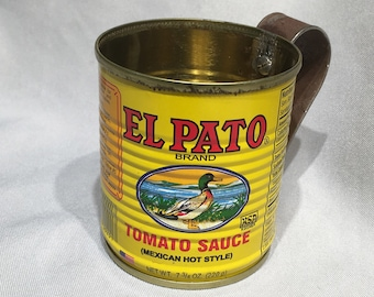 El Pato tin can drinking cup