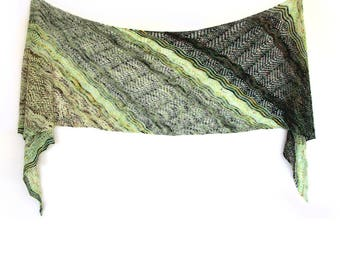Bambara Wrap PDF Knitting Pattern Download English, French and Italian translations included