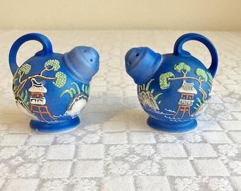 Vintage salt and pepper shakers, Japanese Dragonware, blue Dragonware, blue salt and pepper shaker set, vintage kitchen