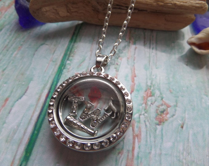 Teen wolf floating locket, werewolf locket, wolf jewelery, tv fan gift, novelty, floating charms, glass locket, fandom gift, sandykissesuk