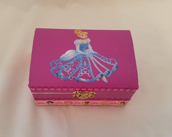 "Small wooden ""Princess"" chest"