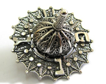 Dreidel, Hanukkah Game, 925 Sterling Silver, Handmade, Filigree, Hanukkah Gift, Judaica, Jewish Holiday gift, Hanukkah Dreidel, ID930