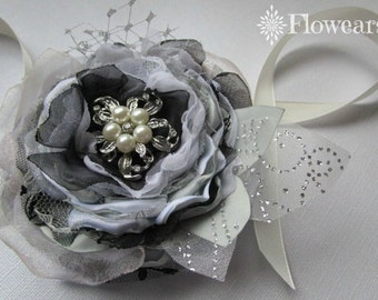 Wedding flower corsage in white silver black, Wrist corsage, Bridal corsage, Bridesmaids corsage, Wedding accessory, Fabric flower corsage