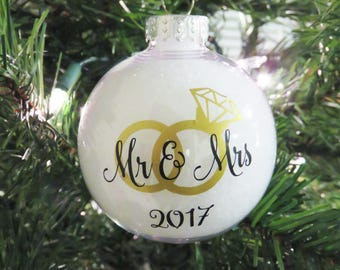 Mr. & Mrs. Ornament. Just Married Personalized. Newlywed Ornament. First year married ornament. First Christmas Ornament. Wedding Ornament.