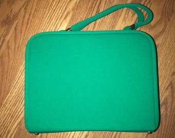 1960s Kelly green purse