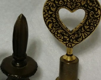 Set of 2 Lamp toppers - ornaments