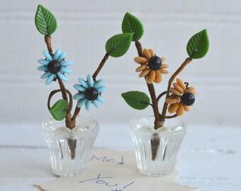 Vintage Czechoslovakia Glass Flowers   Beaded Flowers   Place Card Holders   Name Card Holders   Vintage Wedding Decor
