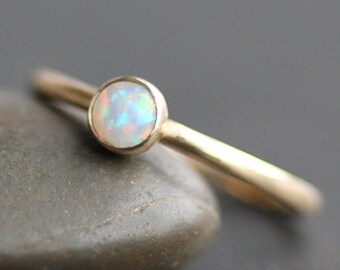 Opal Ring - Solid 14K Gold Band - 4mm Coober Pedy Australian Opal - Recycled Eco Metal - Stacking Ring - (Size 3 - 9)