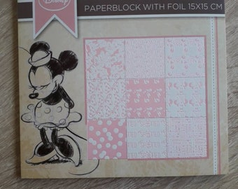 Bloc feuilles pour scrapbooking  MINNIE  rose Disney papier cartonné embossé 15×15 18 feuilles