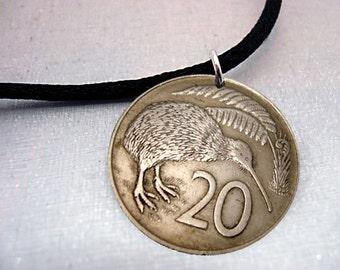 1977 1978 Kiwi necklace - KIWI BIRD coin necklace - 40th - Vintage New Zealand flightless bird - coin medallion -bird necklace -bird jewelry