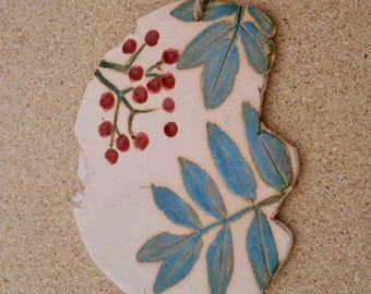 Ceramic rowan plaque - Wall art with rowan leaves and berries - Free form botanical wall hanging - Country home decor