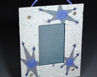 SALE -- Swirly Twinkle Star Frame