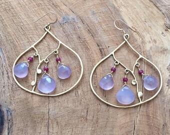 Chandelier Earrings / Lavender Chalcedony Earrings / Bohemian Earrings / Genuine Rubies / Gold Earrings