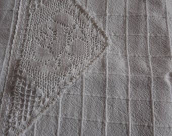 """Vintage tablecloth   white with tassels 32x32"""" unusual design"""