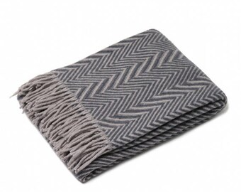 Pure Wool blanket with fringes 130 x 170