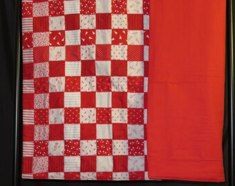 Christmas Quilt - Red-White-Moda Fabric-Holiday Quilt-Yule Tide Blanket-Cozy Quilt Quilt-Wall Hanging Reduced Price - Free Shipping