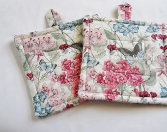 Potholders, Pr of Quilted Potholders, Pretty Spring Potholders, Fabric Potholders