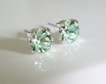 Mint stud earrings,Green crystal studs,Mint green Studs,Chrysolite Crystals from Swarovski®Minimalist studs,6mm,Bridal stud earrings 6mm