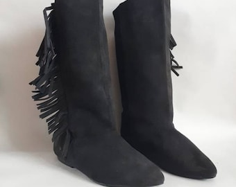 1980's vintage boots vintage fringe boots suede boots calf length boots pull on boots 80's black boots 80's retro boots size 3