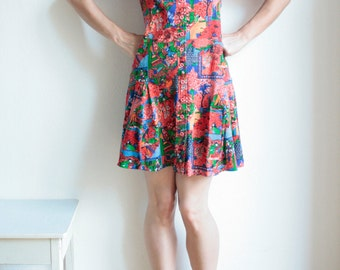 Vintage dress, mini dress, 60s 70s, retro pattern, all over print, pleated, short sleeved, polo collar, T-shirt dress, colorful, hippie,