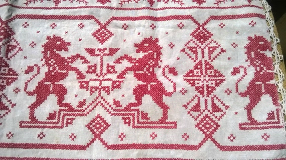 Antique French Heraldic Church Altar Top Piece Linen Red Combatant Lions Blazon Cross Stitch Crucifix Runner Lace Trim #SophieLadyDeParis
