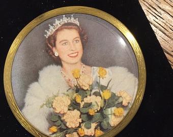 Vintage Queen Elizabeth Coronation Powder Compact 1950's Collectors Alert