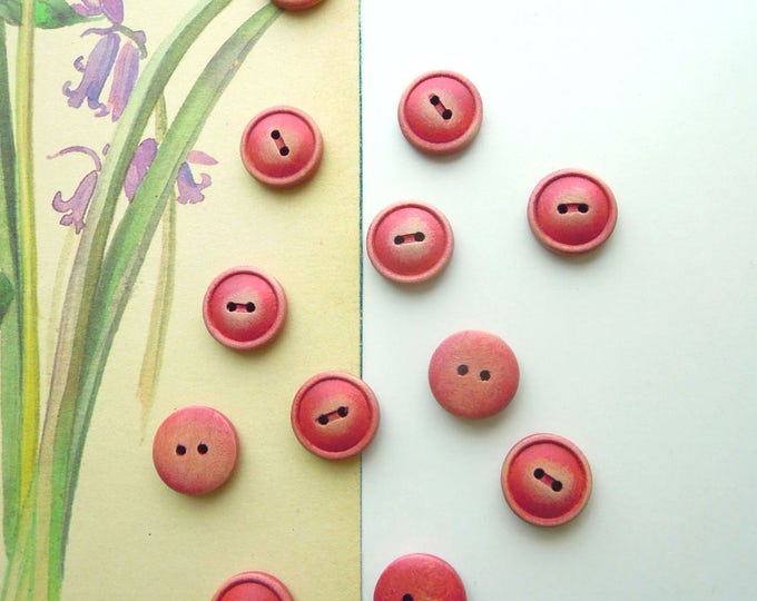 10 Red shabby chic buttons 15 mm - Stressed retro look buttons - Vintage style wooden buttons - Scrapbooking button - Shabby chic buttons