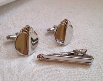 Swank Cufflinks Tie Bar Silver Tone Ovals Embossed Detail on Top