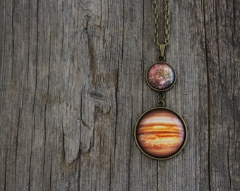 Jupiter and Callisto Necklace, Solar System Necklace, Jupiter Necklace, Callisto Necklace, Planet Necklace, Galaxy Jewelry, Space Jewelry