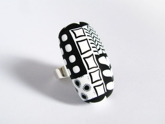 Graphic black and white ring - Sterling silver and polymer clay - geometric pattern - OOAK