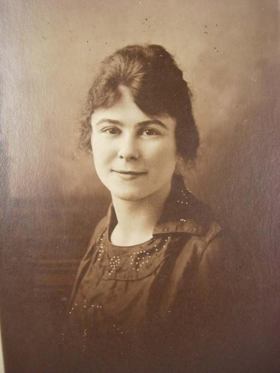Victoriana hermosa postal de RPPC de mujer fotos reales