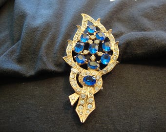 Vintage brooch, blue sapphire crystals, clear rhinestones