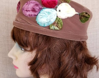 "Vintage Women's Beige Felt Hat with Flowers ""Brijette"""
