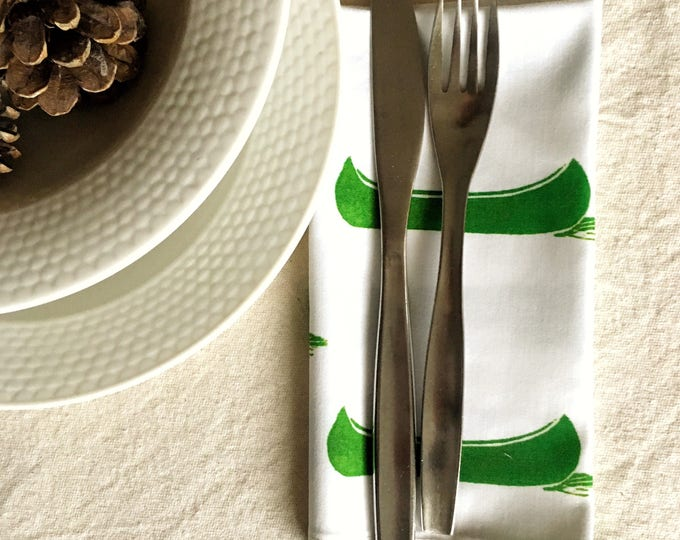 Set of four organic cotton dinner napkins, green canoes