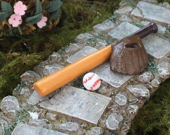 Miniature Baseball Set, Bat, Glove and Ball, Dollhouse Miniatures, 1:12 Scale, Mini Sports Equipment, Miniature Garden Decor, Accessory
