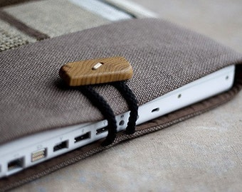 Laptop sleeve for 13 inch Macbook/ handmade wooden button