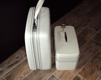Mid Century 2 Pieces White Samsonite Silhouette Traincase/Small Square Luggage/ Samsonite Luggage/Suitcases/ Samsonite Silhouette Suitcase