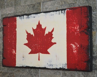 Distressed Canadian Flag Canada Flag Celebrate Canada 150 Years Custom Wooden Sign Vintage Canada Flag Barnboard Canada Flag Cottage Decor