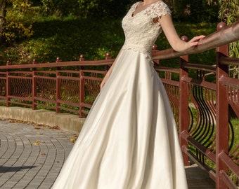 Daiana. Wedding dress , fairy wedding dress, vintage style wedding dresses, wedding gowns, bride dresses