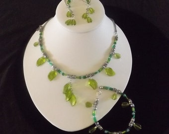 Tribal leaf necklace with earrings and bracelet