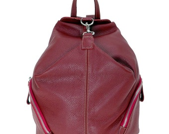 Vallombrosa: Versatile leather backpack, with a trendy look. 100% Made in Italy.