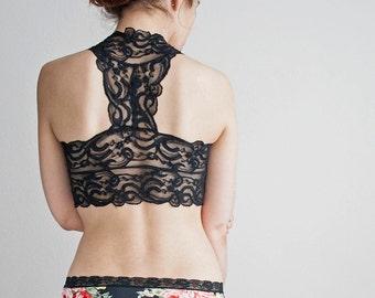 BLACK Lace Bralette. Black Bralette, Racerback Bralette. Scalloped Edge Lace Design. Halter Wireless Bra Top. Wide Straps, Bralet Top