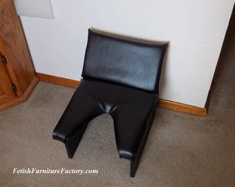 Mature: Face Sitting, Queening Chair, Queening Stool, Queening Throne, BDSM, Face Sitting Chair, Dungeon, Sex Chair, Sex Toys, Smother Box