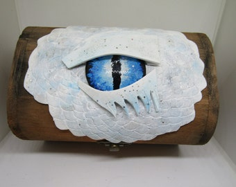 Unique Blue Dragon Eye Trinket/Dice Box || Tabletop Gaming RPG Wooden Dice Chest || Dungeons & Dragons DND || Pathfinder || Geek Gift ||