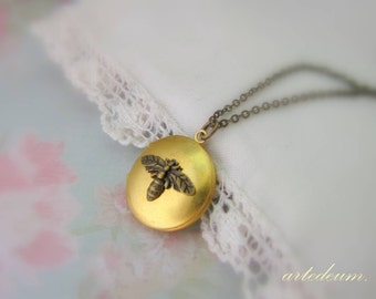 Bee Locket Necklace small round keepsake vintage Nature jewelry in antique gold Brass with bronze chain shabby rustic