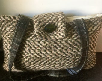 Absolutely fabulous Vintage wool bag