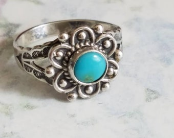 Vintage Sterling Silver and Turquoise Flower Ring Southwestern Ladies Accessory Size 6