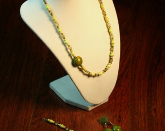 A-Symmetrical Green Necklace with Bracelet and Earrings