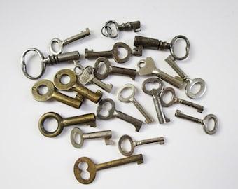 20 Vintage skeleton keys, Old skeleton keys, Vintage keys, Key collection, Gifts decoration, Antique skeleton keys, Mini Heart Keys